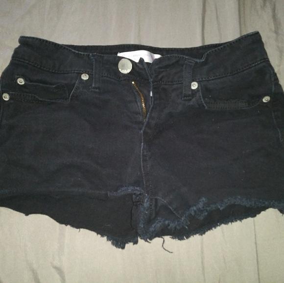 No Boundaries Pants - Black shorts